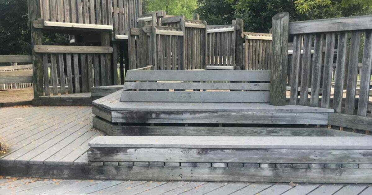 Chelsea Timbertown - Built in Benches