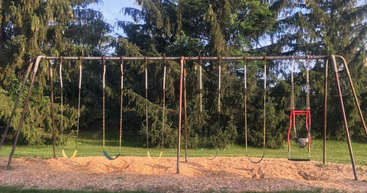 Chi-Bro Park Swings - Including a parent/child swing