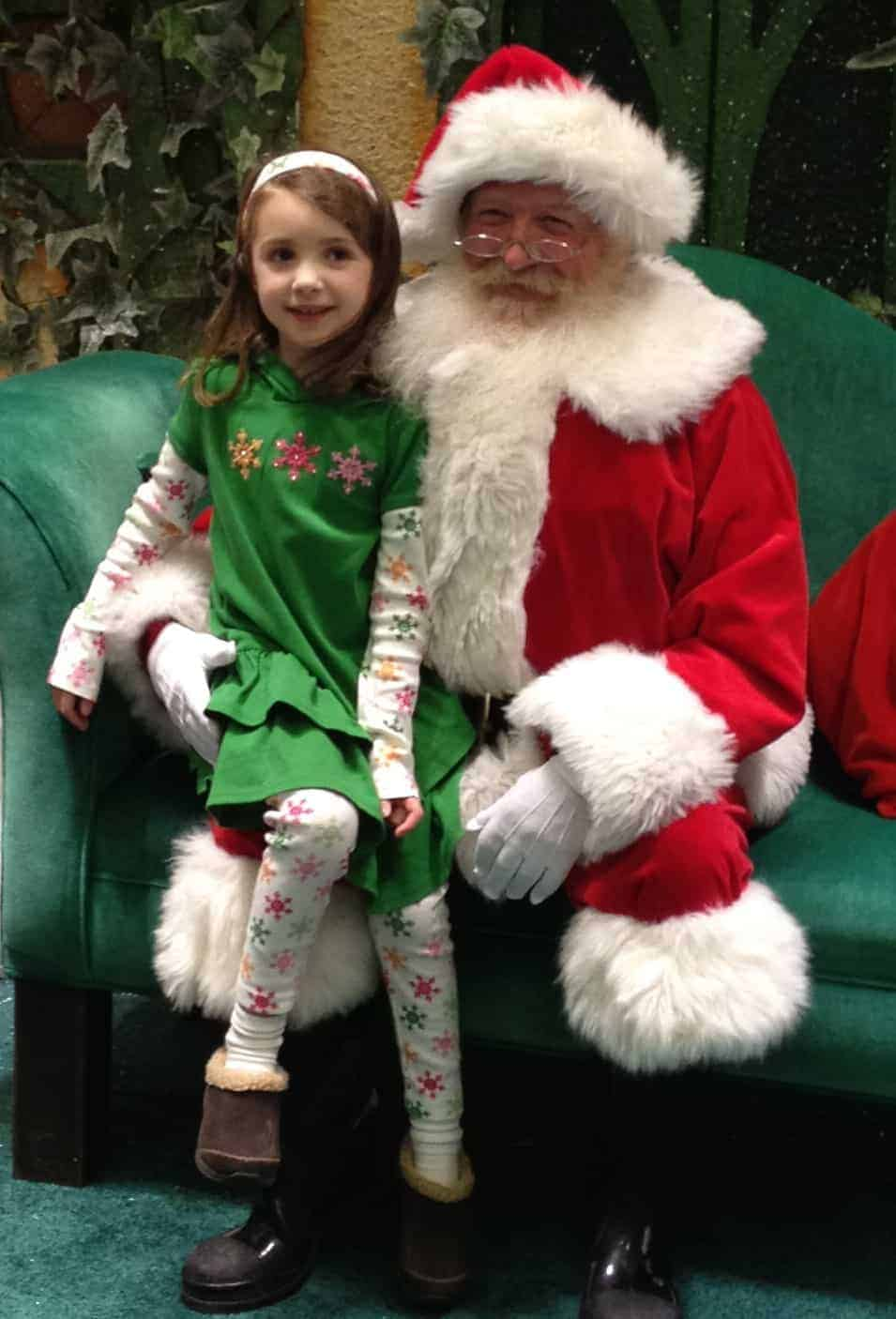 Nov 06,  · Santa Claus is coming to Ann Arbor's Briarwood Mall starting Saturday, Nov. 18, with special events planned for the entire family and furry companions.