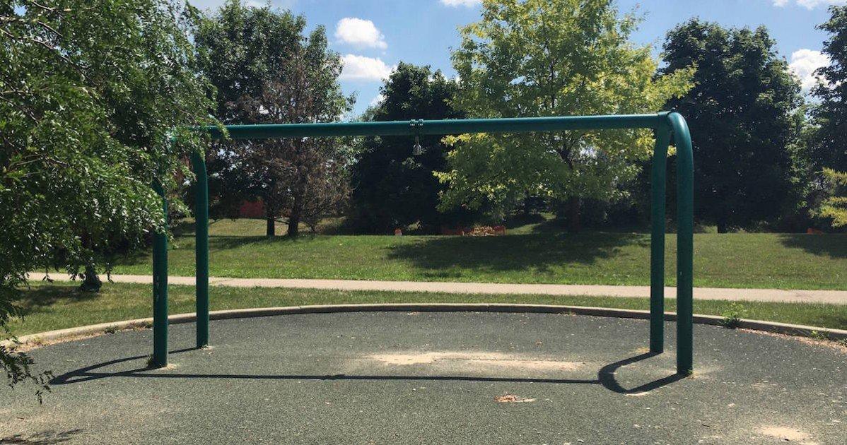Southeast Area Park - Missing Tire Swing