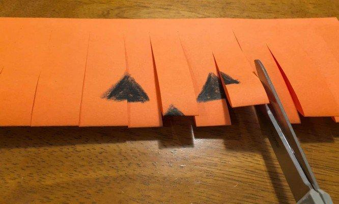 Paper Jack O'Lantern - Cutting Strips
