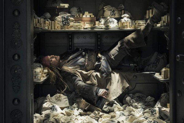 Pirates of the Caribbean: Dead Men Tell No Tales - Captain Jack in the Bank Vault