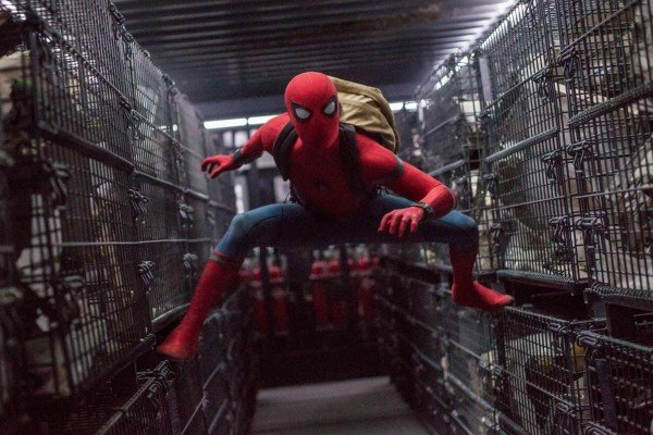 Spiderman: Homecoming - Spiderman with Cages