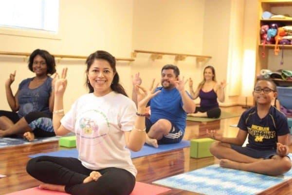 Peachy Fitness - Family Yoga