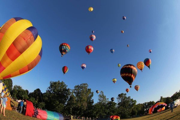 Michigan Challenge Ballonfest - Hot Air Balloons In the Air