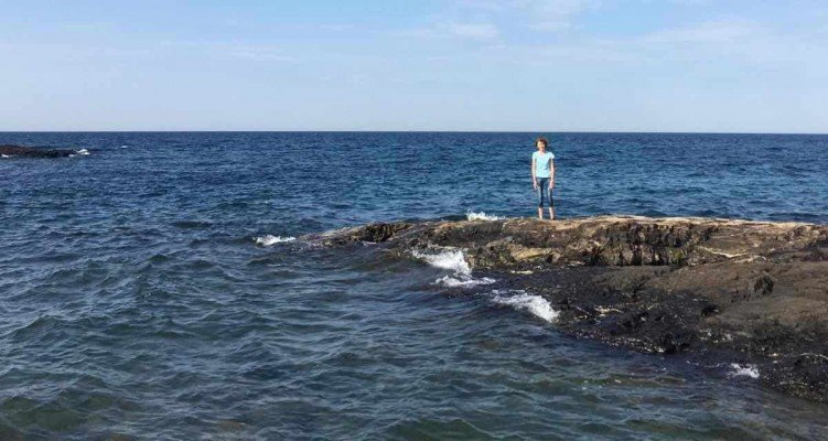 Visit Michigans Upper Peninsula with Kids - Marquette- Presque Isle Park - Over Water