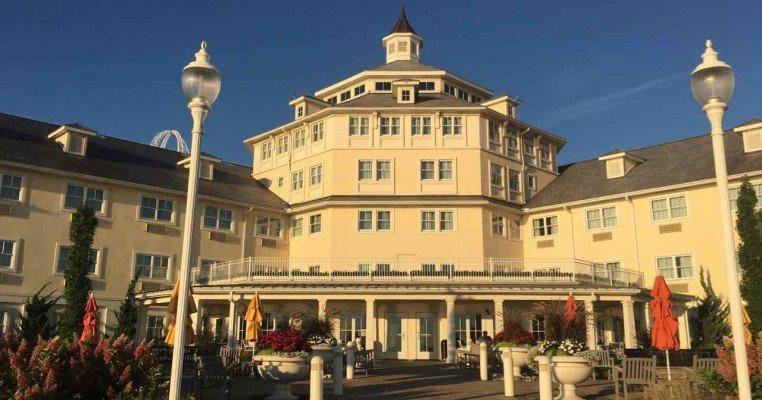 Cedar Point Hotel Breakers Tips - Exterior Rotunda